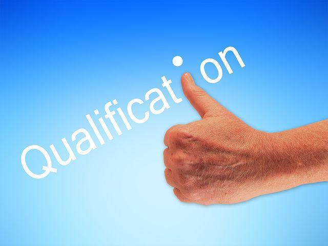 ITでは資格は評価されにくいけど資格を取得しておくと効率よく勉強できる